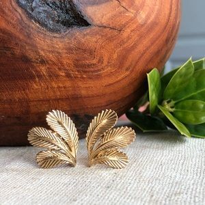Crown Trifari Vintage Gold Clip Leaf Earrings